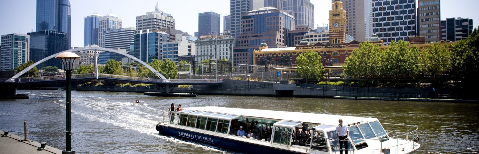 Melbourne City & Williamstown Return Ferry Crusie 2 Hours